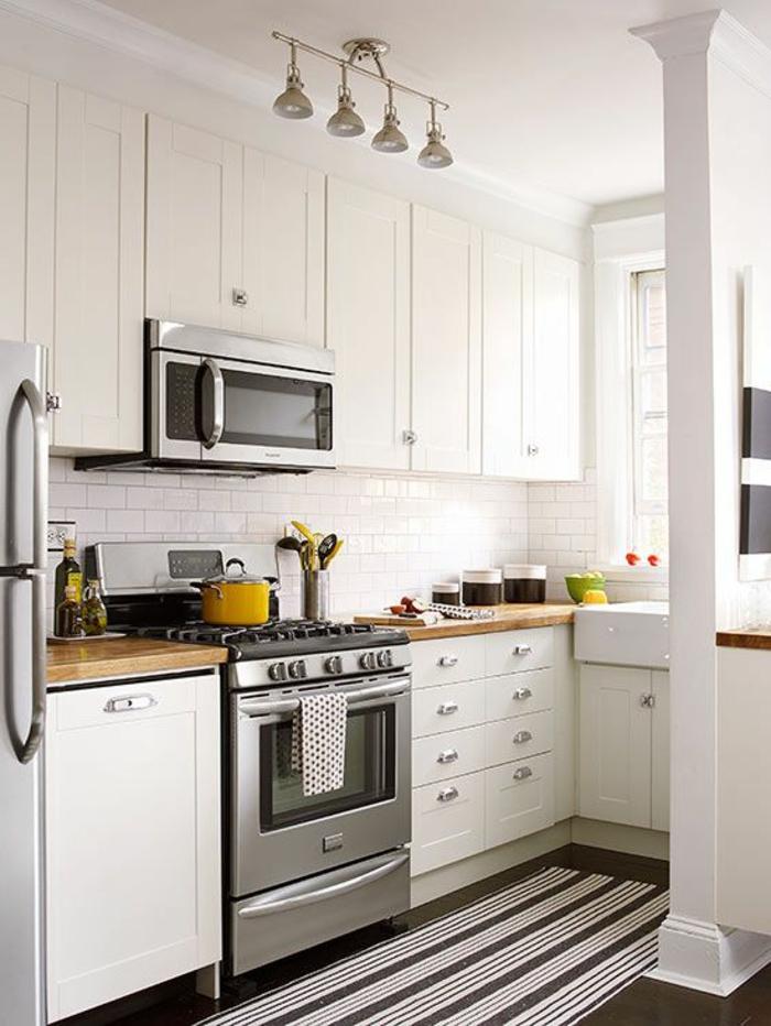 wohnideen küche kleine küche handgriffe streifenteppichläufer