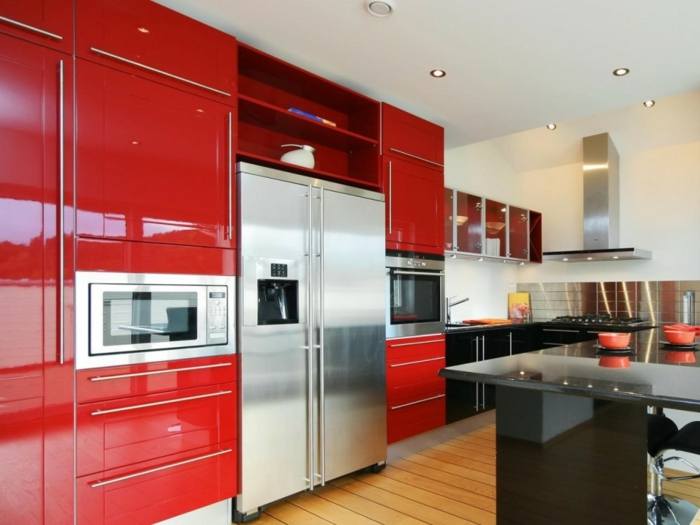 wohnideen küche moderne griffe küchenschränke rot