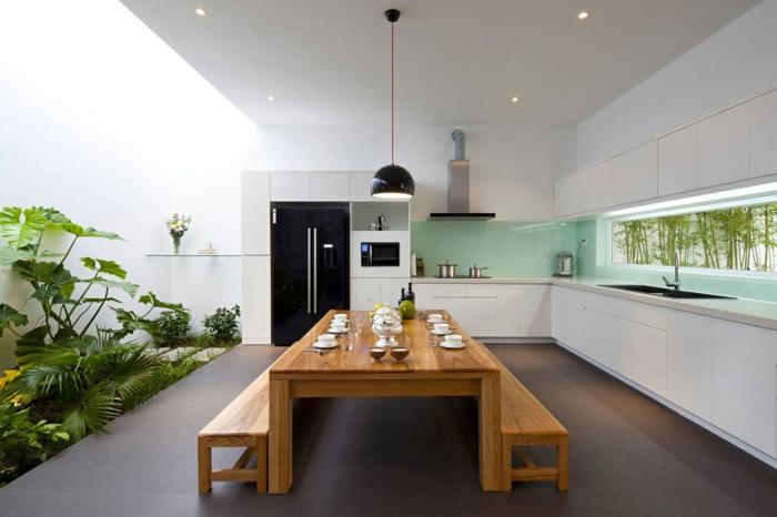wohnideen küche rückwand glas ausgefallen weiße küchenschränke hölzerne möbel