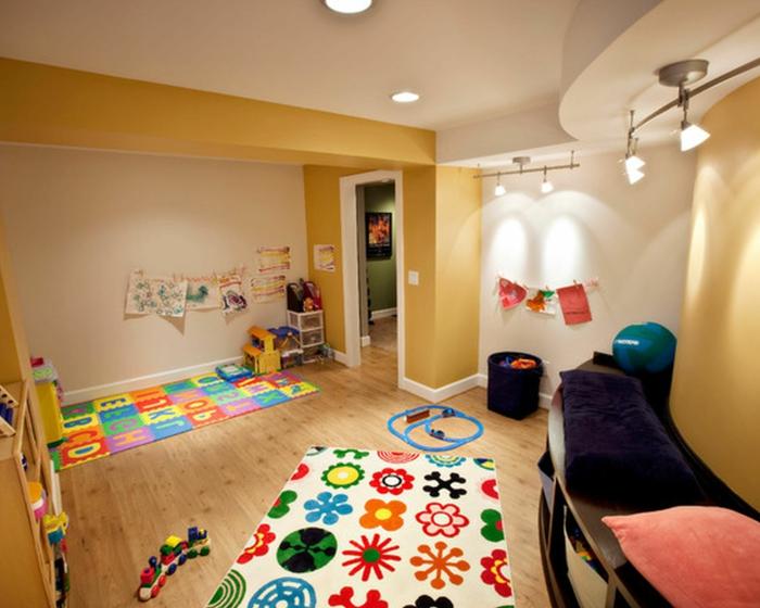 wohnideen kinderzimmer farbige teppiche hellgelbe wände