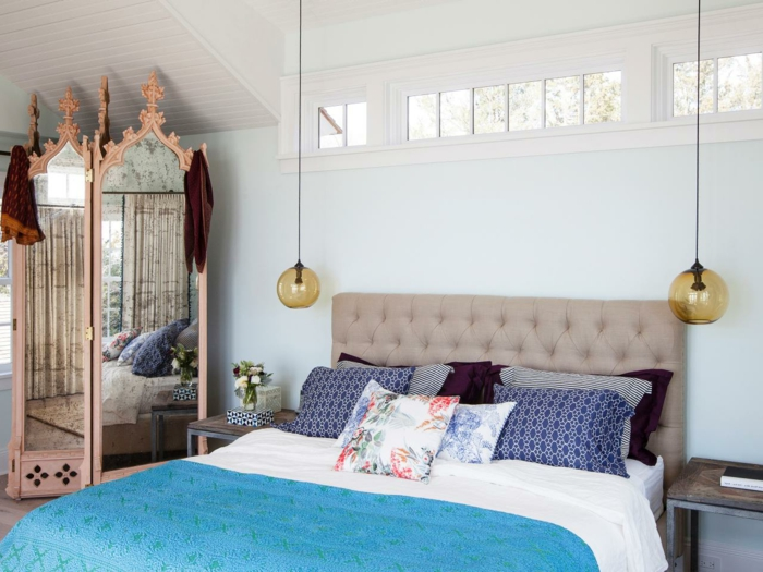 wohnideen schlafzimmer hängelampen schönes bettkopfteil weiße wände