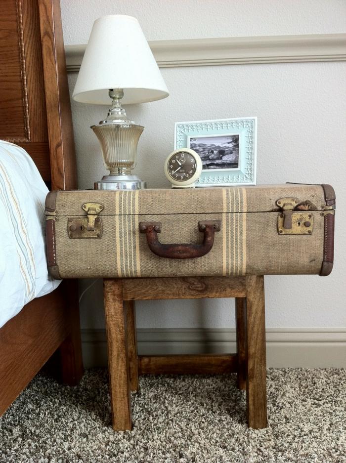 wohnideen schlafzimmer nachttisch alter koffer diy ideen