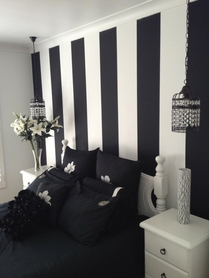 wohnideen schlafzimmer schwarze bettwäsche wandtapete streifen
