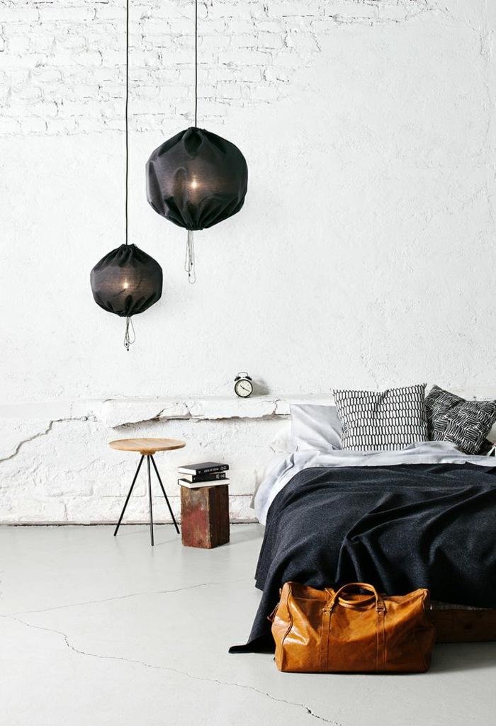 wohnideen schlafzimmer weißer boden weiße wände rustikal schwarze akzente
