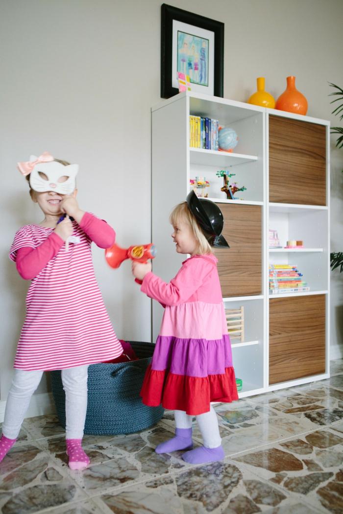 Wohnideen Wohnzimmer Spielende Kinder Stauraum Spielbereich