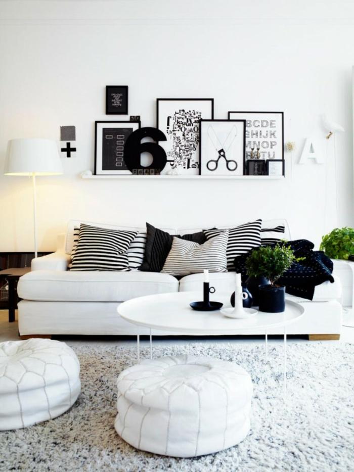 Charmant Wohnzimmer Couch Schwarze Akzente Dekokissen Pflanzen Sofa In Weiß U2013 35  Wohnzimmereinrichtungen Mit Einem Weißen Akzent