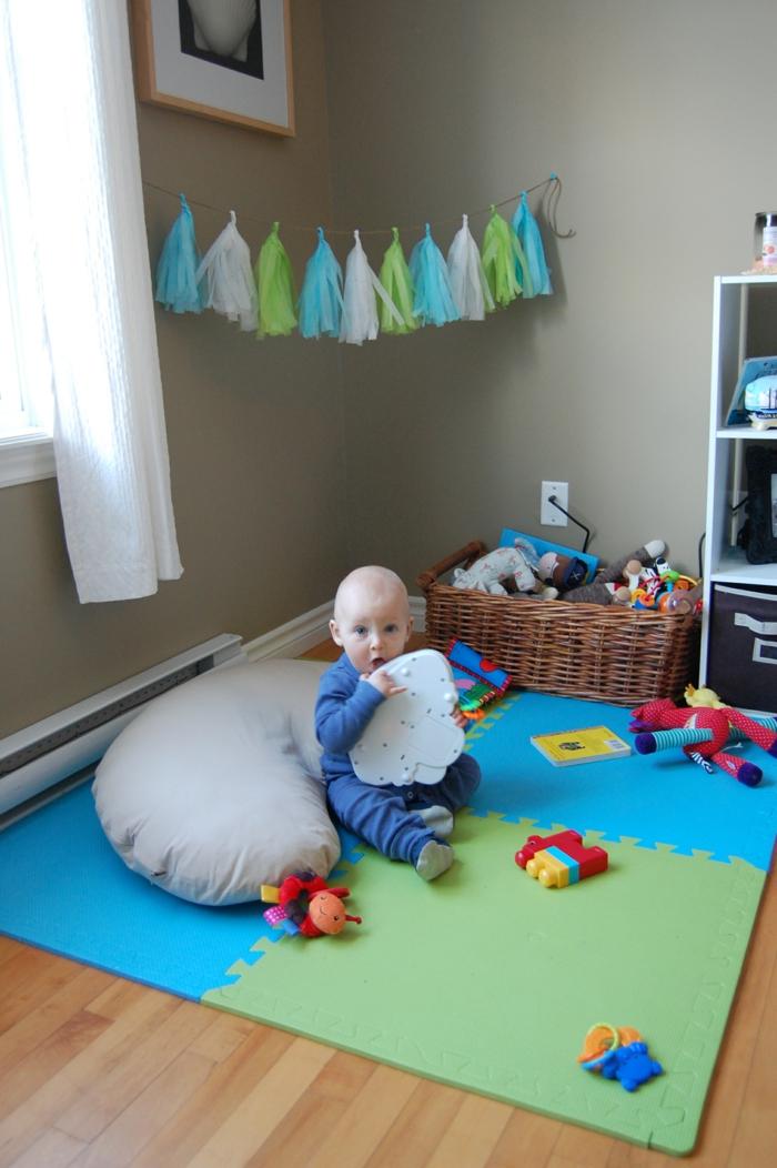 wie sie ein kinderfreundliches wohnzimmer einrichten. Black Bedroom Furniture Sets. Home Design Ideas