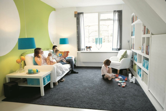 Wohnzimmer Einrichten Spielbereich Kinder Grauer Teppich Grne Wand