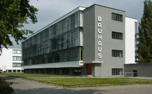 Bauhausstil-Architektur-Bauhaus-Gebäude-Dessau