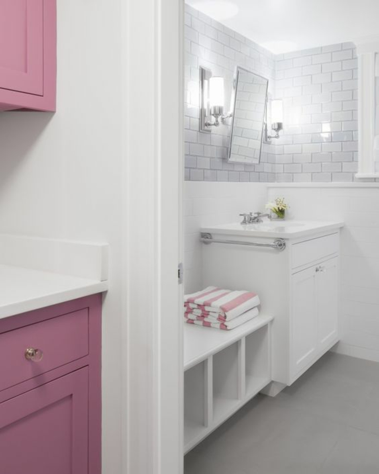 Feng Shui Badezimmer rosa Schränke Zimmerpflanzen