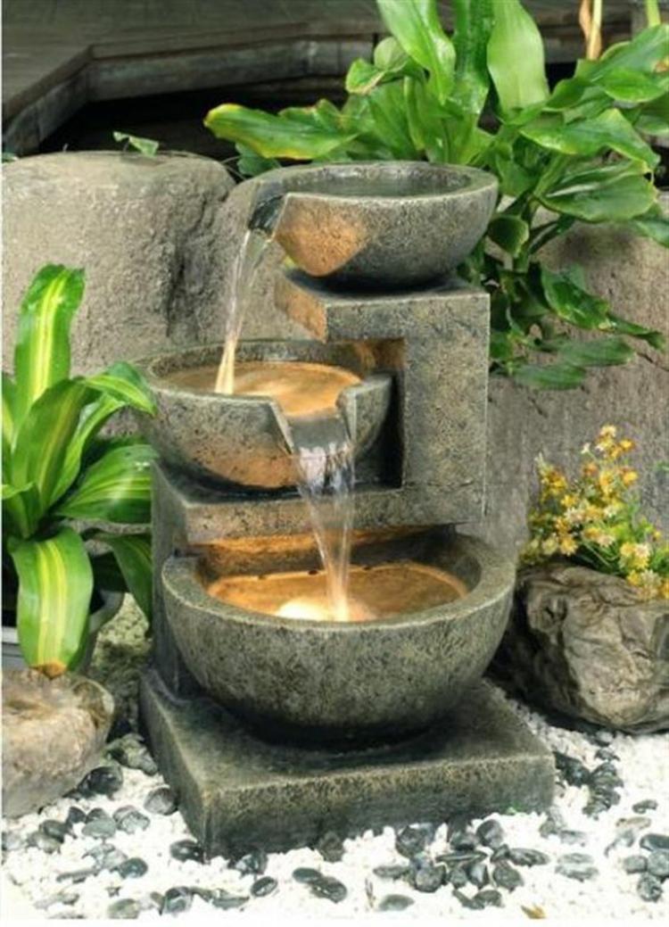 Feng Shui Garten Wasserquelle Glücksbringer positive Energie