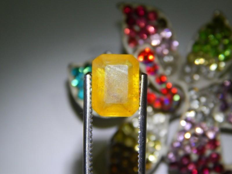 Jungfrau Sternzeichen Edelsteine gelber Saphir