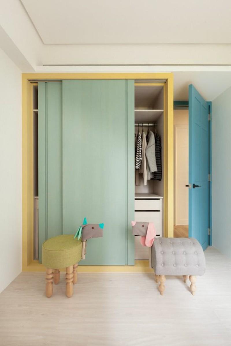 Kleiderschrank mit Schiebetüren Kinderzimmer gestalten