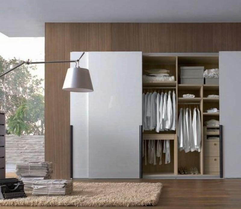 kleiderschr nke mit schiebet ren 50 ideen f r einen praktischen und modernen kleiderschrank. Black Bedroom Furniture Sets. Home Design Ideas