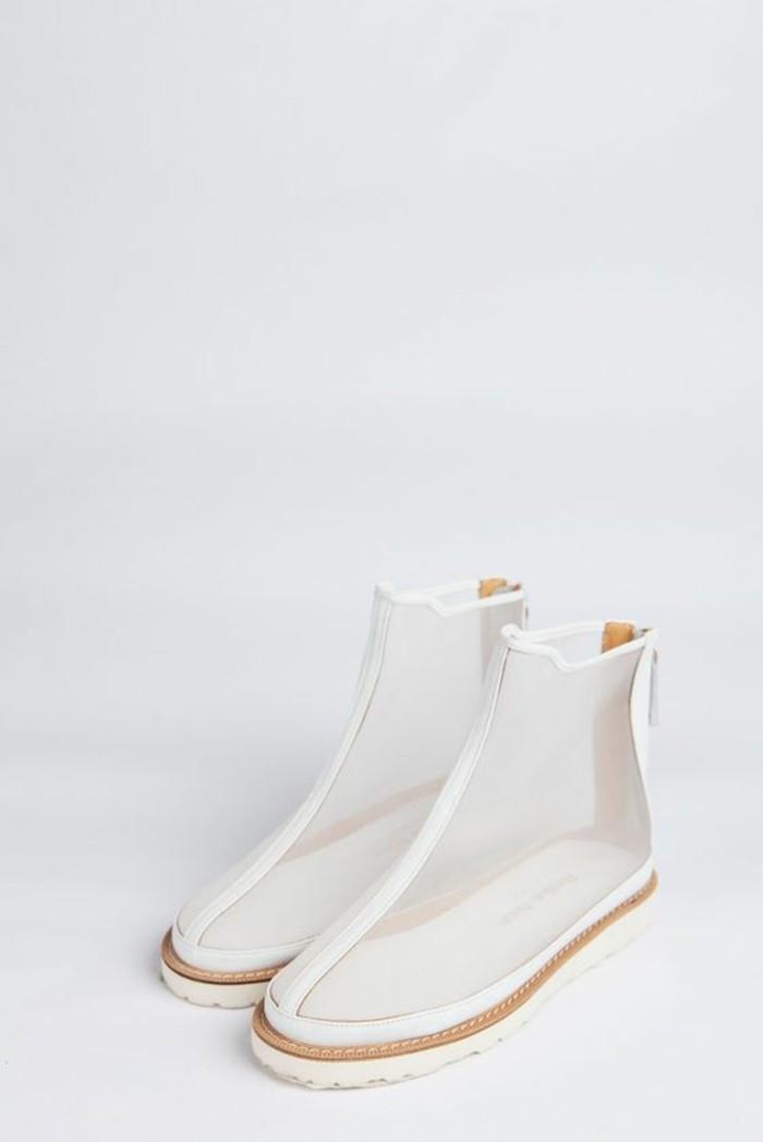 Modetrends durchsichtige Kleider Schuhe weiß