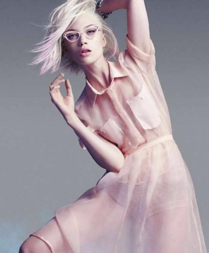 Modetrends durchsichtiges Kleid hell rosa romantisch