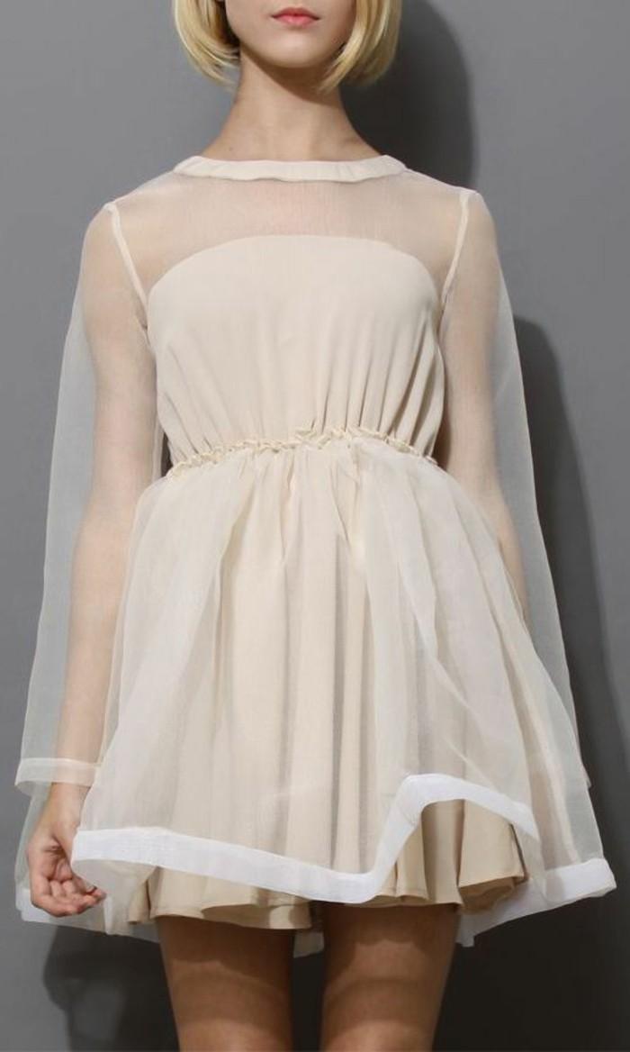 Modetrends durchsichtiges Kleid mit transparentem Überkleid