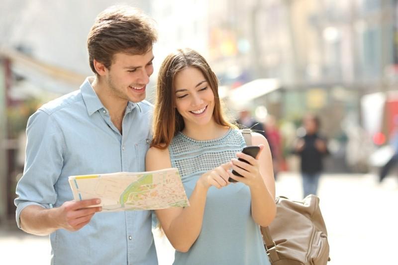 Reisepakete Smartphone Urlaub Sommerurlaub Stadtreise
