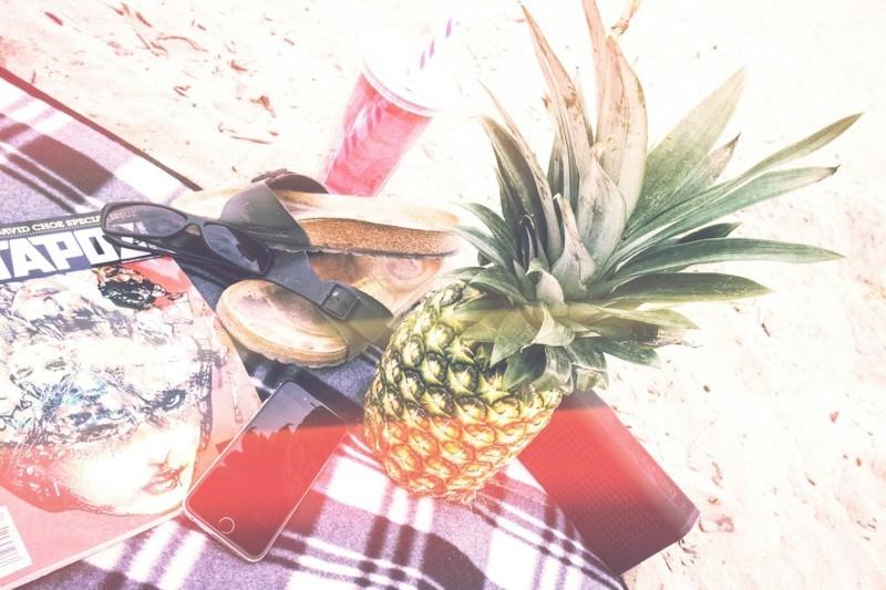 Reisepakete Smartphone Urlaub Sommerurlaub Strand Meer