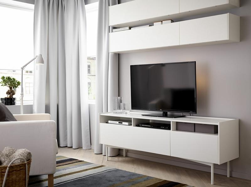 TV Wohnwand weiß Wohnzimmermöbel Sessel Teppichläufer