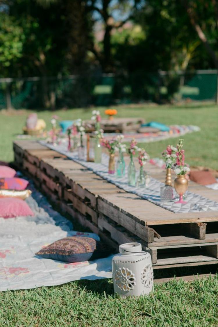 Tischdeko Gartenparty Deko selber machen Gartenmöbel aus Paletten