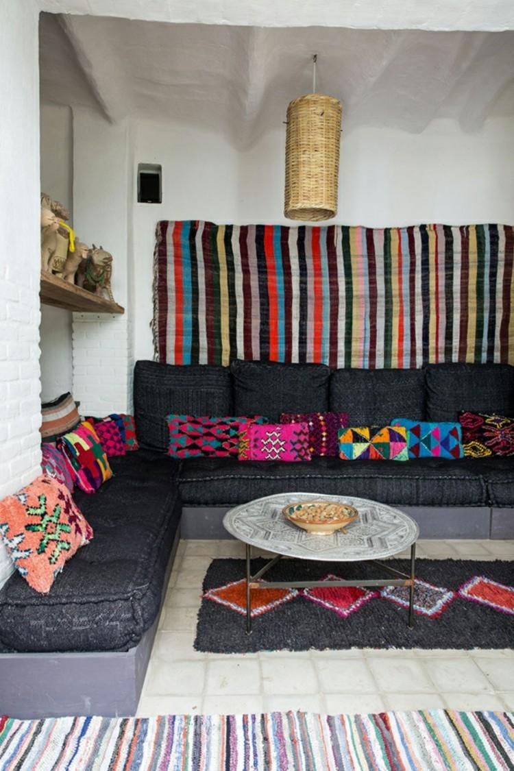 Wohnungseinrichtung Ideen Streifen Muster Wandteppich