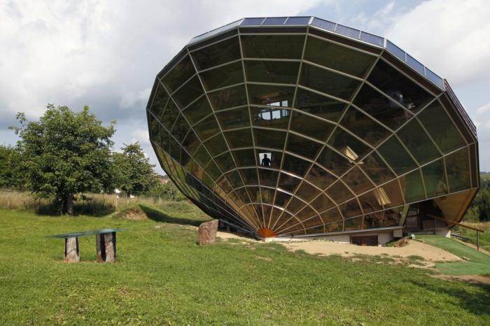 außergewöhnliche ferienhäuser heliodome solarhaus strassburg