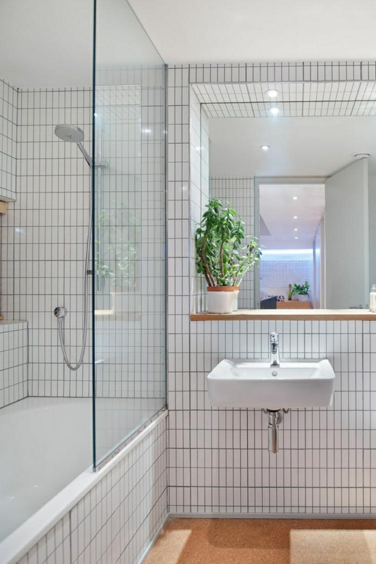 Badeinrichtung Weiße Badfliesen Pflanze Dusche Badewanne Feng Shui  Badezimmer U2013 Die Wichtigsten Regeln Auf Einen Blick | Badeinrichtung Ideen  ...