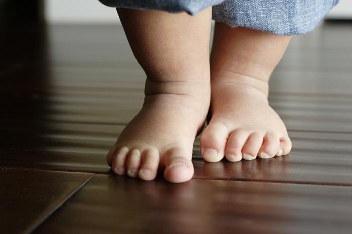 barfuß laufen gesund leben hauptsache gesund lebe gesund fusspflege fußpflege baby
