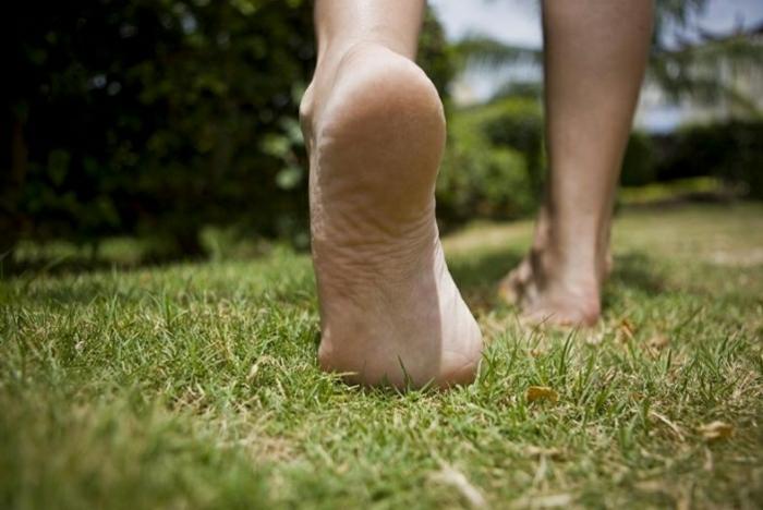 barfuß laufen gesund leben