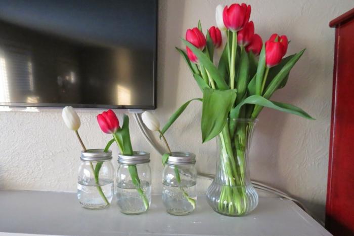 blumendeko einmachgläser vasen tulpen