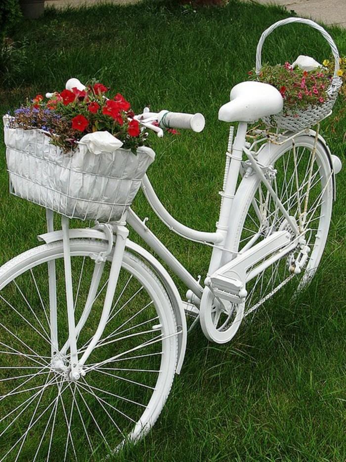 deko garten altes fahrrad weiß vintage blumen
