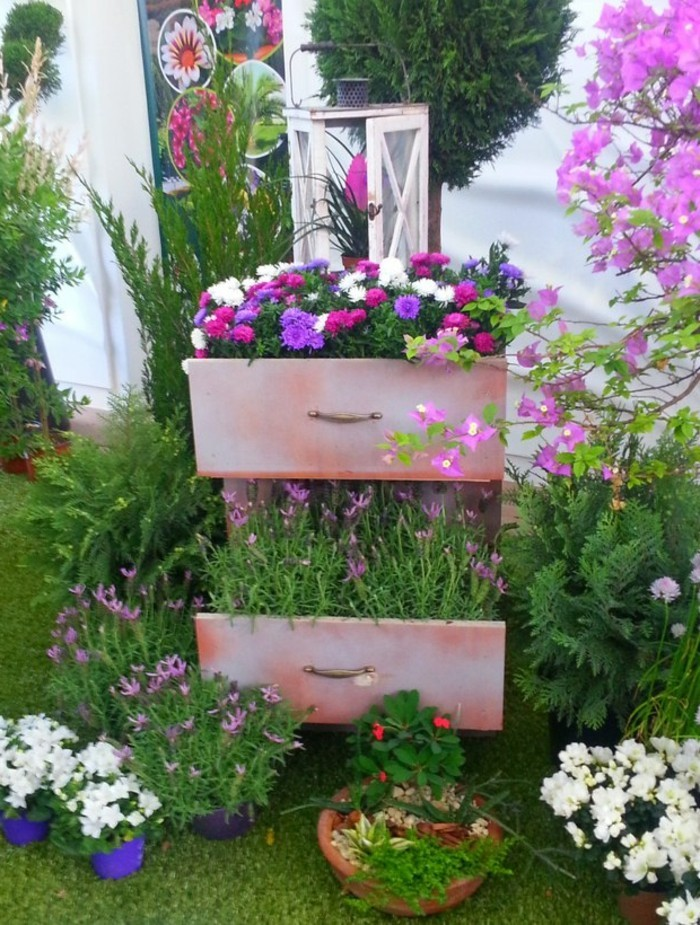 deko garten pflanzenbehälter ausgefallen kreativ