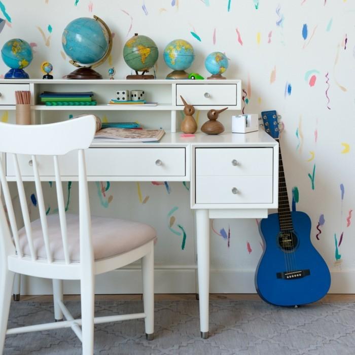 dekoideen kinderzimmer globen wanddeko schreibtisch