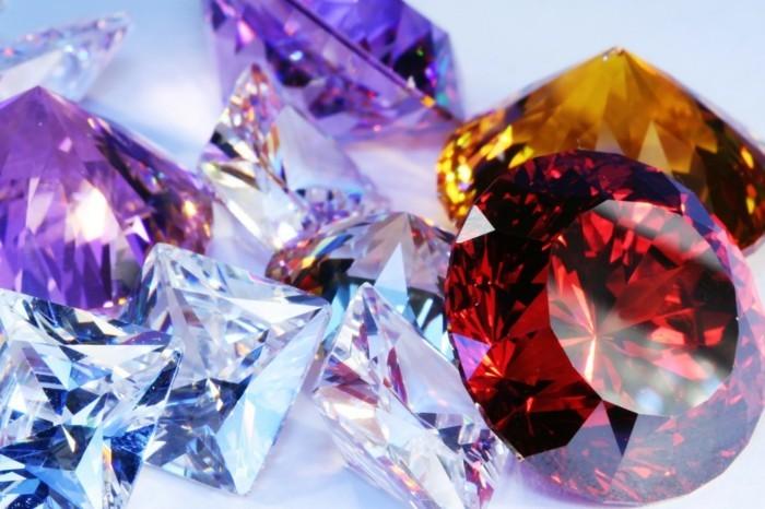 diamanten edelsteine sternzeichen glückssteine
