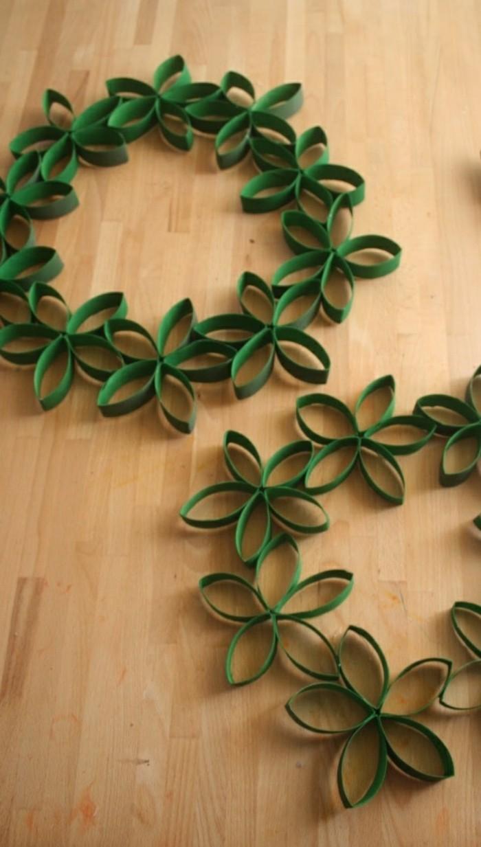 diy deko papier grün kränze basteln