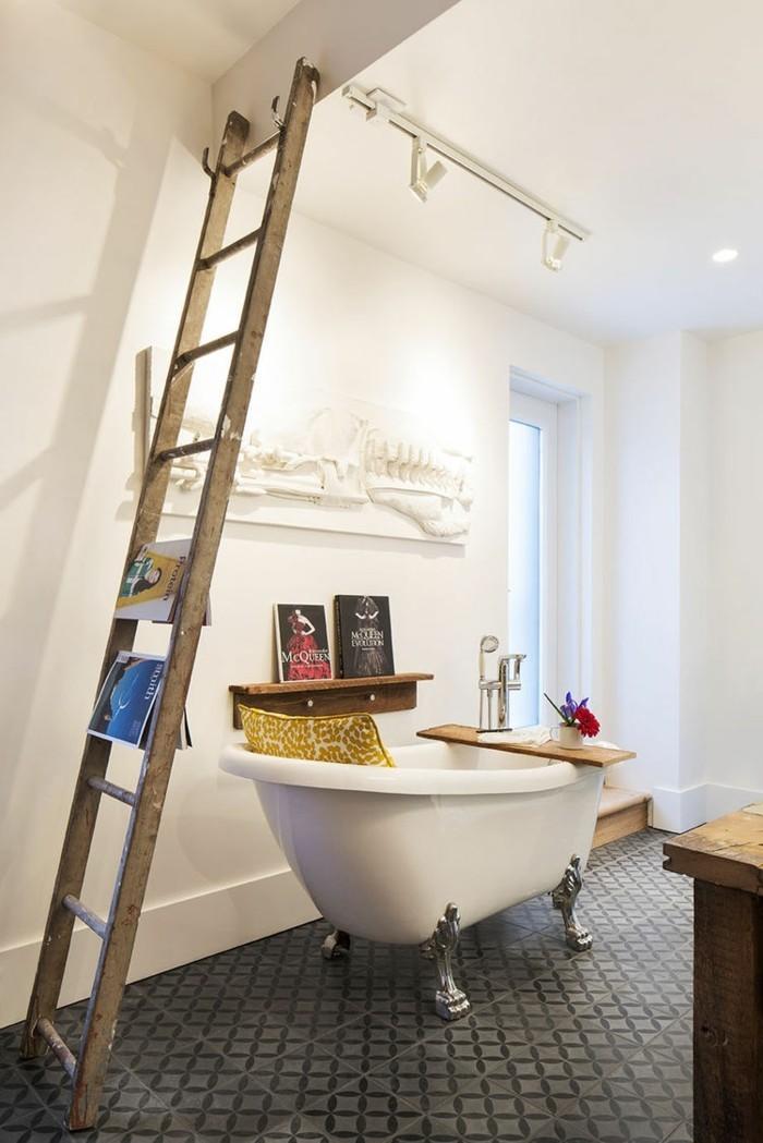 Upcycling Ideen einrichtungbeispiele deko ideen diy ideen holzleiter indirekte beleuchtung badezimmer