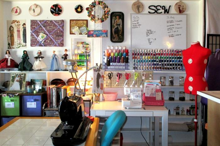 einrichtungsbeispiele deko ideen wohnideen DIY ideen naehzimmer trendfarben naehmaschine orga5