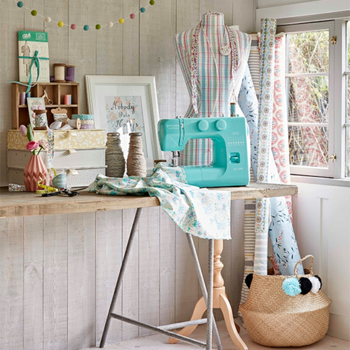 einrichtungsbeispiele deko ideen wohnideen DIY ideen naehzimmer trendfarben naehmaschine orga6