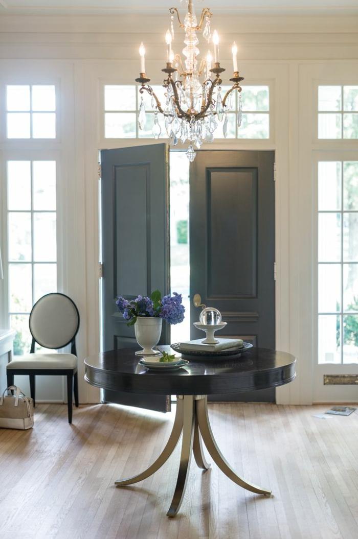 feng shui wohnen positionierung der haust ren in der feng shui inneneinrichtung. Black Bedroom Furniture Sets. Home Design Ideas