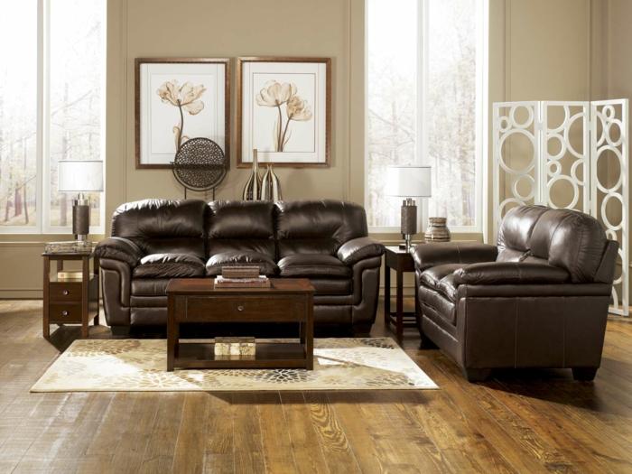 einrichtungsideen wohnzimmer gestalten dunkelbraun beige wände holzboden waddeko
