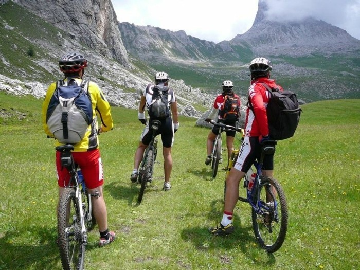 fahrrad weltreise bike gebirge ausrüstung outdoor