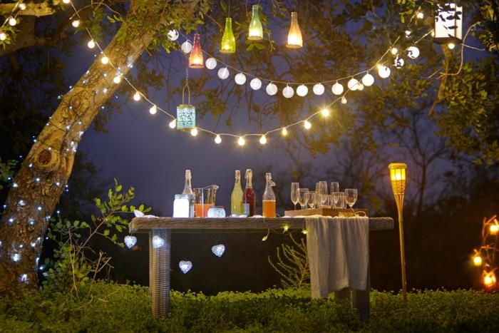 gartengestaltung ideen beleuchtung fackel lichterketten