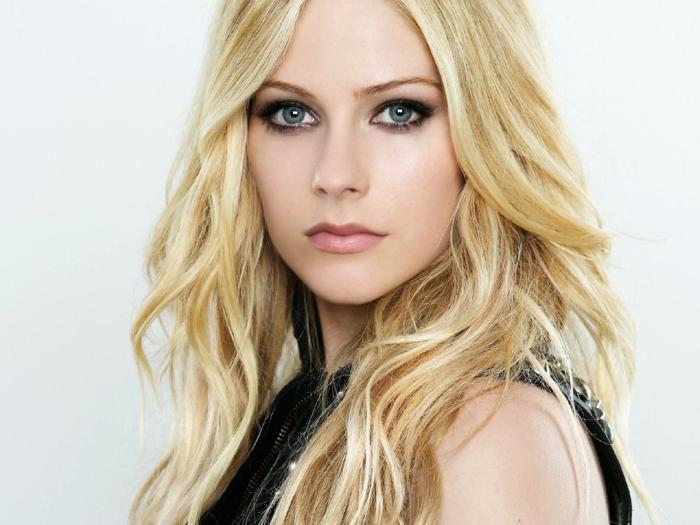gesunde haut hausmittel für schöne haut bekommen reine haut tipps gesicht natur blond