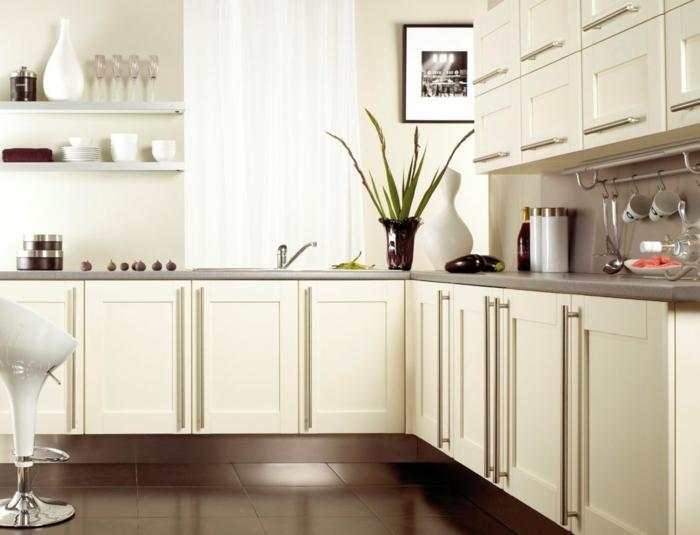 küchenfronten austauschen erneuern weiße kücheschränke aluminium griffe moderne küche