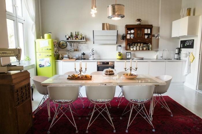 küchenmöbel weiße unterschränke roter teppich
