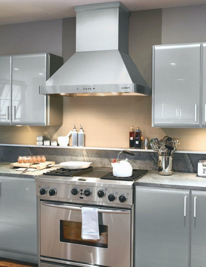 küchenschränke kaufen industrieller look spiegeloberfläche