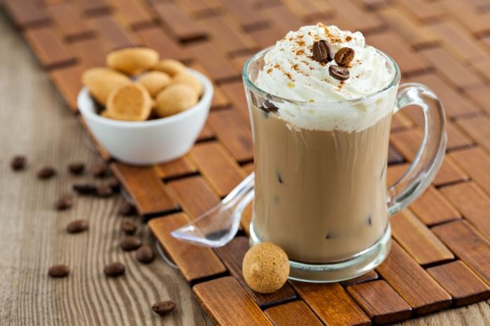 kaffee eiskaffee zubereiten sahne kaffeebecher