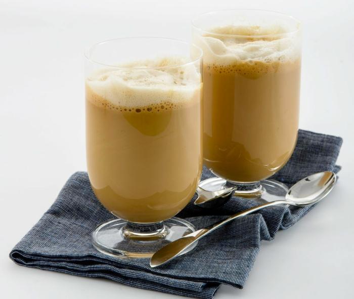 kaffee spezialitäten cafe frappe zubereiten