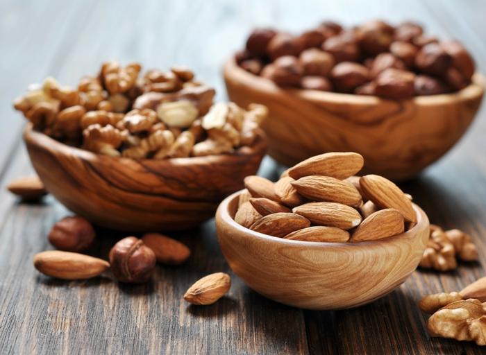 ketogene diät gesunde fette fettsäuren nüsse walnüsse mandeln haselnüsse